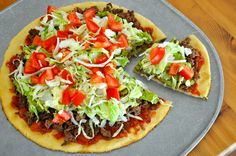 You gotta try this Taco Pizza! Taco Pizza Recipes, Paleo Recipes, Real Food Recipes, Dinner Recipes, Cooking Recipes, Meal Recipes, Yummy Recipes, Recipies, Healthy Cooking