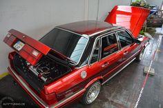 Nicht nur der ehemals triste 1.8-Liter-Motor des Audi 80 GTE hat ein Update bekommen. Eine besondere Erwähnung verdient auch die Effektlackierung des Audi. Audi 200, Audi Cars, Cars And Motorcycles, Automobile, Cool Stuff, Ideas Para, Awesome, German, Spirit