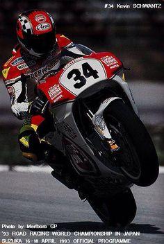 Schwantz, Suzuki and Lucky Strike 500cc Motorcycles, Cool Motorcycles, Yamaha Motorbikes, Valentino Rossi, Grand Prix, Besties, Suzuki Gsx, Motorcycle Design, Super Bikes