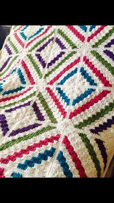 Deramores Cedar River Blanket. http://www.ravelry.com/projects/TabieS80/cedar-river-blanket