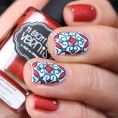 Il était un vernis Merlot //  stained glass reverse stamping nail art in white, blue, green and orange - http://lapaillettefrondeuse.blogspot.be/2015/11/il-etait-un-vernis-merlot-vitrail.html