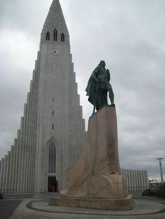 Hallgrim's church and Leif Eiriksson statue, Reykjavik