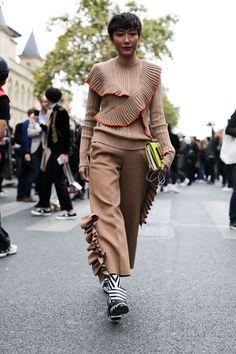 Street Style Paris Fashion Week Day 4 SS17 - Image 39