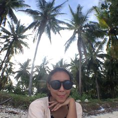 Beach life  #travelling #beach #selfie #summer #exploreindonesia #explorelampung #pahawangisland  #photograph #photography