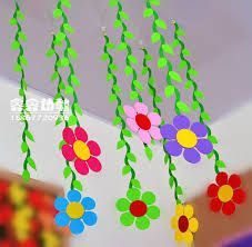 Bilderesultat for classroom flowers Classroom Ceiling Decorations, Birthday Room Decorations, School Decorations, Creative Crafts, Diy And Crafts, Crafts For Kids, School Board Decoration, Classroom Art Projects, Kids Room Paint