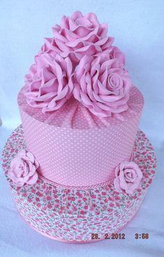 Bolo Fake Princesa De Tecido (2 andares) Bolo Fake Princesa, Dummy Cake, Dream Cake, Cake Board, Unique Cakes, Love Cake, Cake Creations, Mini Cakes, Amazing Cakes