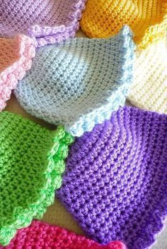 Buttercup Babies Hats: free pattern