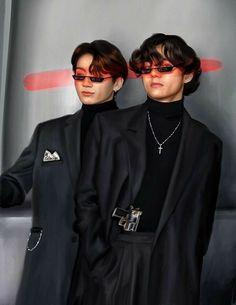 Taehyung, it is trying to adjust to Jungkook cousin. Taekook, kısahika on Aug . Taekook, Foto Jungkook, Bts Bangtan Boy, Foto Bts, Vkook Memes, Vkook Fanart, Bts Aesthetic Pictures, Bts Fans, Kpop