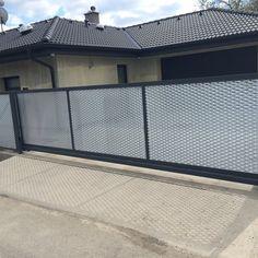 Plot z tahokovu - realizace Humpolec Garage Doors, Metal, Outdoor Decor, House, Design, Home Decor, Ideas, Photos, Room Decor