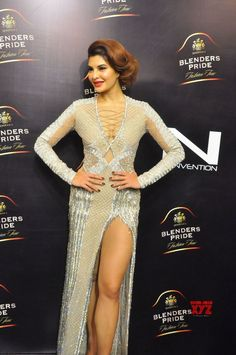 Actress Jacqueline Fernandez Ramp Walk At Blenders Pride Fashion Tour 2017 Gallery - Social News XYZ Indian Bollywood Actress, Beautiful Bollywood Actress, Most Beautiful Indian Actress, Bollywood Fashion, Indian Actresses, Jacquline Fernandez, Katrina Kaif Photo, Bollywood Celebrities, Bollywood Actors