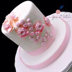 Mini pastel en rosa de Yuri O. Villeda.