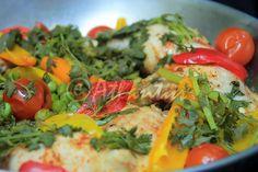 "Terapia do Tacho: Frango com ervilhas na cataplana (Chicken with green peas in the ""cataplana"")"