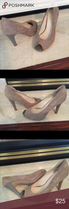 Tan suede high heels. Nine West, suede pumps never worn. Size 10 Nine West Shoes Heels