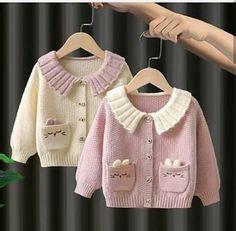 Baby Cardigan Knitting Pattern, Knitted Baby Cardigan, Knit Baby Sweaters, Baby Knitting Patterns, Baby Girl Dress Patterns, Baby Clothes Patterns, Clothing Patterns, Easy Crochet Stitches, Crochet Girls