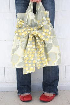 Reversible bag - cute bow tie! Learn how to make this! by lydia