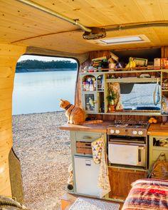 Why Are Vandwellers Choosing The Sprinter Camper Van? Mercedes Sprinter Camper, Sprinter Van, Sprinter Conversion, Camper Conversion, Bus Living, Cozy Living, Kombi Home, Vanz, Tiny House