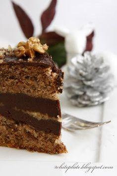 Tort orzechowy z czekoladą | White Plate