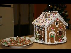 Video per creare le sagome della Casetta di Natale | Greedyweb