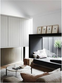 Me encanta esta cama dentro del marco de una ventana. Daybed framed in the window http://homes.ninemsn.com.au/2016/04/22/16/10/the-best-australian-residential-interior-decoration-of-the-year/3