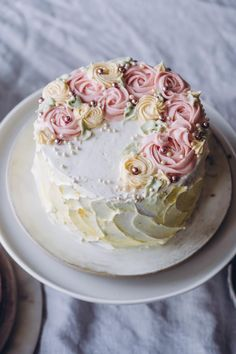 Tuli, Vanilla Cake, Desserts, Food, Drinks, Tailgate Desserts, Drinking, Deserts, Beverages