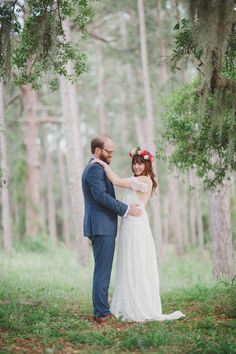 Stunning Woodsy Bride & Groom Portrait | By the Robinsons! Photography