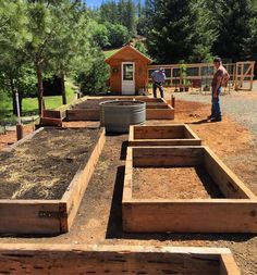 Garden Types Dusty and I finished building the raised beds for our veggie garden this morning… – Gardening Raised Vegetable Gardens, Vegetable Garden Design, Veg Garden, Fruit Garden, Raised Garden Beds, Raised Beds, Garden Hose, Vegetable Gardening, Raised Gardens