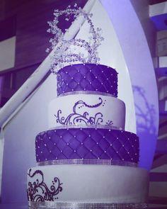 Pastel de Boda. Wedding cake. Tarta de Boda. Torta de Boda Bodas de ensueño Puerto Ordaz Ciudad Guayana Venezuela #cake #PuertoOrdaz #CiudadGuayana #15años #misquince #misdulces15  #quinceanera #Reposteria #Bakery #reposteriafina #mis15 #floresdeazucar #pastel #tarta #frozen #flores #fondant #beatifull #tortas #tortasdecoradas #luxurycake #customcakes #cakedesign #cakedesigner