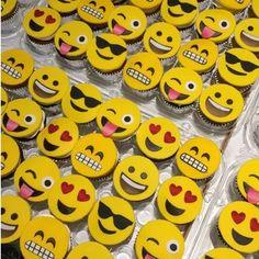 emoji cake - Google Search Cupcake Emoji, Emoji Cake, Flamingo Cupcakes, Oreo Cupcakes, Dessert Recipes, Desserts, Birthday Decorations, Recherche Google, Party Time