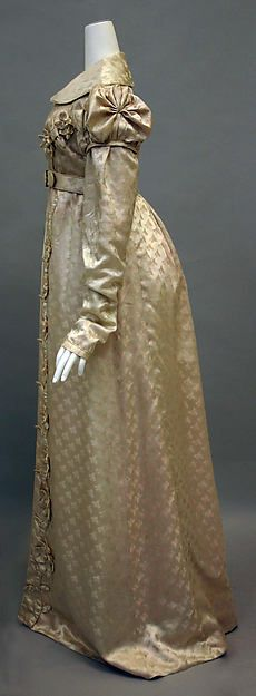 Redingote c1818–20 Culture: French Medium: silk Dimensions: Length at CB: 59 in. Accession Number: 2010.152 For more views, see other pins.