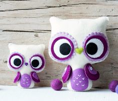 PDF. Big eyes owl and small owl brooch. via Etsy.