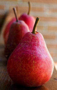 Red Pears .. http://www.pinterest.com/snapshotie/beautiful-harvest/