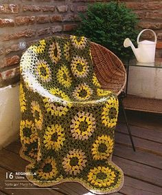 Yellow and Green Flower Afghan free crochet graph pattern