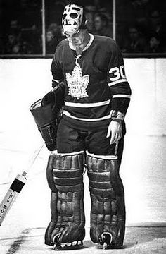 Terry Sawchuk with Toronto. He was part of an old-guy duo in net with Johnny Bower who carried their team to a Stanley Cup win. Ice Hockey Teams, Hockey Goalie, Hockey Games, Hockey Players, Nhl, Maple Leafs Hockey, Hockey Pictures, Goalie Mask, Vancouver Canucks