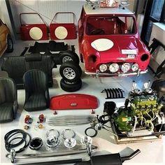 Mini Cooper Sport, Mini Cooper Classic, Classic Mini, Classic Cars, Mini Cooper Interior, Mini Cooper Accessories, Jeep Wallpaper, Austin Mini, Mini Morris