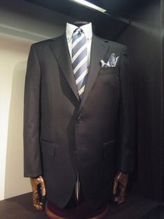 We at L & K Bespoke Tailor Bespoke Tailors in Hong Kong, Best Tailors in Hong Kong, tailor made shirt and suit in Hong Kong.