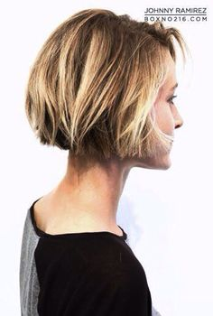 A short bob can be a great hairstyle for you to make a statement. These stylish short bobs have many famous fans. Take a look these chic short bob hairstyles. 2015 Hairstyles, Short Hairstyles For Women, Messy Hairstyles, Pretty Hairstyles, Cropped Hairstyles, Hairstyle Short, Medium Hair Styles, Short Hair Styles, Corte Y Color