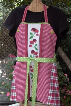 A fun and simple apron for people at all sewing levels. I chose dish towels because whether time or skills are a factor, the hems are already done for you! There...