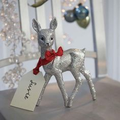 6-best-low-effort-christmas-decorating-ideas-Personalised-table-place-settings