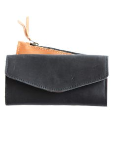 Hailu Wallet // choose black + cognac : )