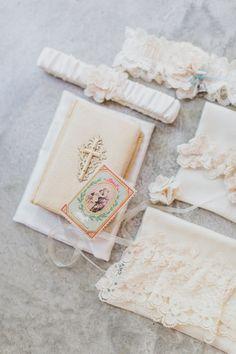 A Vibrant, Tropical Austin Wedding - The Overwhelmed Bride Wedding Blog Inspiration Wedding Bride, Wedding Blog, Wedding Planner, Bridal Garters, Palm Springs, Victorian Fashion, Tropical, Vibrant, Inspiration