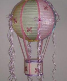 χειροποίητο παιδικό φωτιστικό αερόστατο ύφασμα οργάντζα σατέν καί καρώ καορδέλες 35Χ70εκ