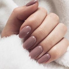 Love that nail polish! pinterest: @rosajoeperez