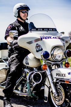 Cst. Ray Kenney on the KPF Harley Davidson Motorcycle while taking the training course. #police #motorcycles #setcom http://setcomcorp.com/supermic.html