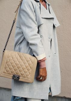 Loving the blend of various neutrals. #colorpalette