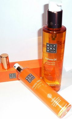 Rituals... Shower oil - Fortune oil (Sweet orange and cedar wood), Bed and body mist - Happy mist (Organic mandarin & Yuzu) review/ обзор  http://beautyunearthly.blogspot.com/2013/06/rituals-bed-and-body-mist-happy-mist.html