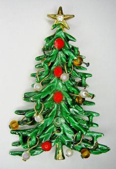 ART CHRISTMAS TREE PIN