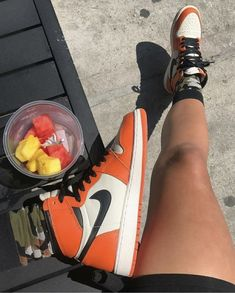 sneakers and stuff raffle Zapatillas Nike Jordan, Aesthetic Shoes, Hype Shoes, Fresh Shoes, Sneaker Heels, Mode Outfits, Custom Shoes, Mode Style, Jordan Shoes