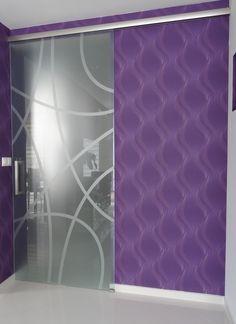 sklenené posuvné dvere matované leptaním a dodatočnou pieskovacou plotrovanou samolepkou Bathroom Lighting, Curtains, Mirror, Furniture, Home Decor, Bathroom Light Fittings, Bathroom Vanity Lighting, Blinds, Decoration Home