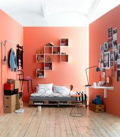 Europaletten Bett selber bauen - 30 Ideen für kostengünstige DIY-Möbel in Ihrem Schlafzimmer