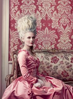 5 Halloween Costume Ideas for the Beauty-Obsessed: From Marie Antoinette to Marilyn Monroe – Vogue - Marie Antoinette